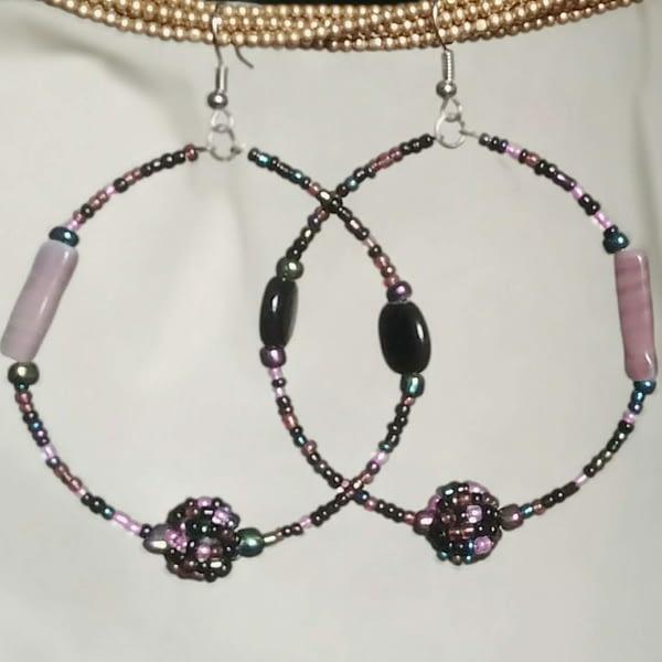 orecchini cerchio perline lilla