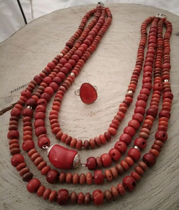 collana corallo e argento multifilo